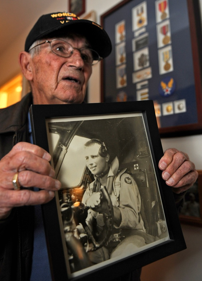 FATEFUL DAY *** WWII airman recalls mission to Hiroshima, Nagasaki